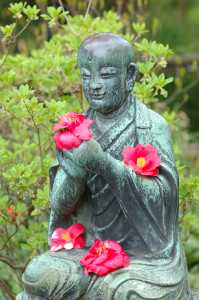 buddha-with-flowers